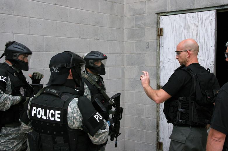Moshe instructing counter-terror tactics