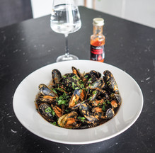 CHILI & COCONUT MOULES FRITES