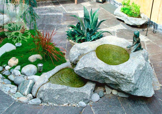 Zweiteiliger Brunnen mit Bronzefigur