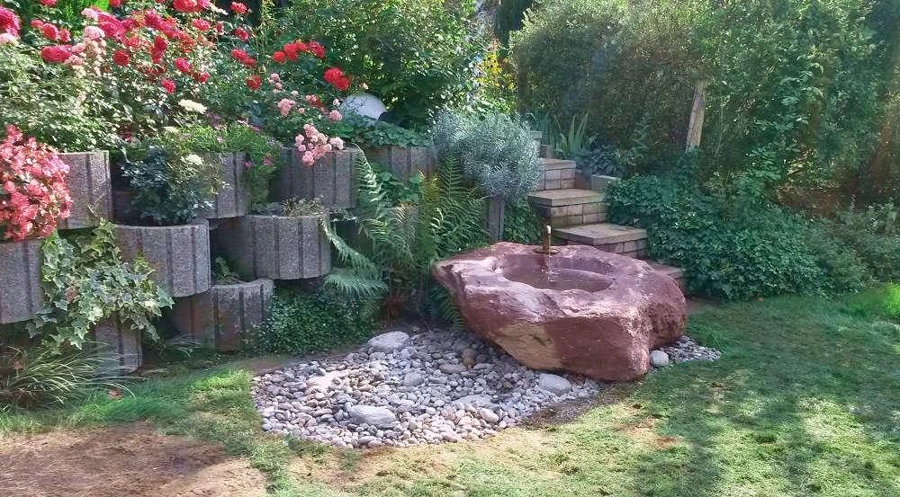 Natursteinbrunnen aus schönem Granit aus Gartenbrunnen Ausstellung