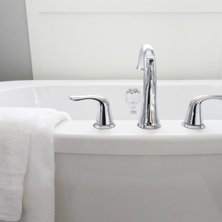 bathtub-2485952.jpg