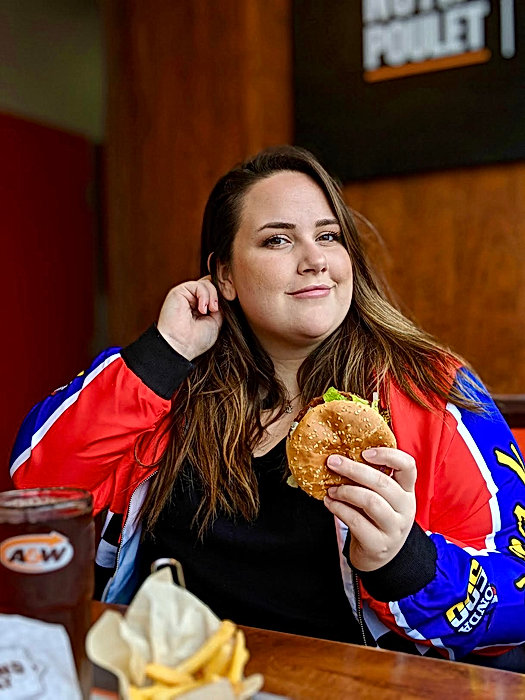 A&W x Clark Influence-Agence-Agency-Influence Marketing-Campagne-Campaign-Collaboration-Montréal-Quebec-Canada-Social media-2 filles ordinaires.jpg