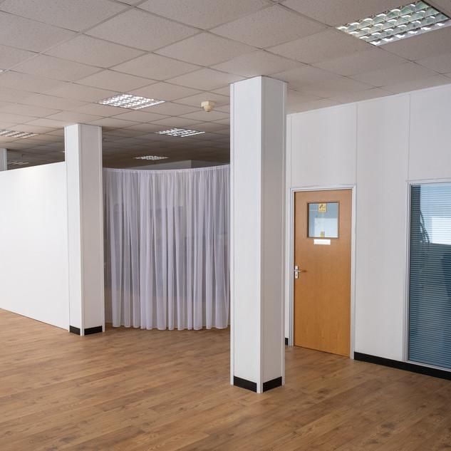 Atlas Studios White room-prop and green