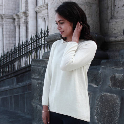 Very light and breathable short sleeved sweater made of the absolute best natural materials. This knit is light-thick and has a really nice feeling. Lacy texture makes the knit highly breathable and warm.