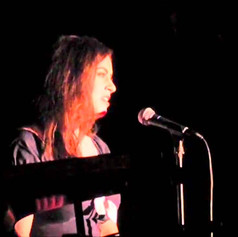 """Kate Ponzio performs """"Out of My Head"""" by Kooman and Dimond"""