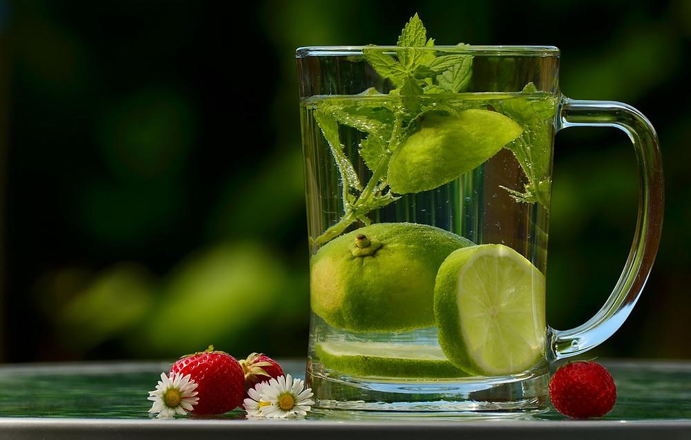 Acqua detox limone e zenzero