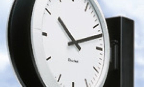 Dubbelzijdige 40 cm klok voor buiten