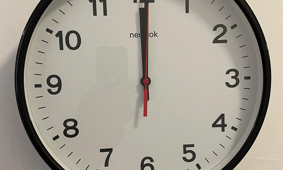 Nedklok 30 cm Quartz klok Zwart