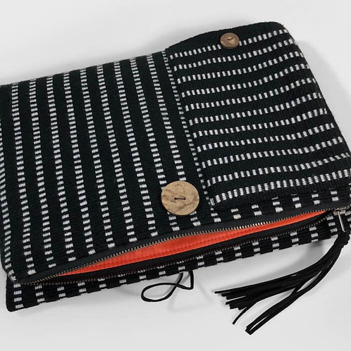pepem clutch (onyx) with shoulder strap