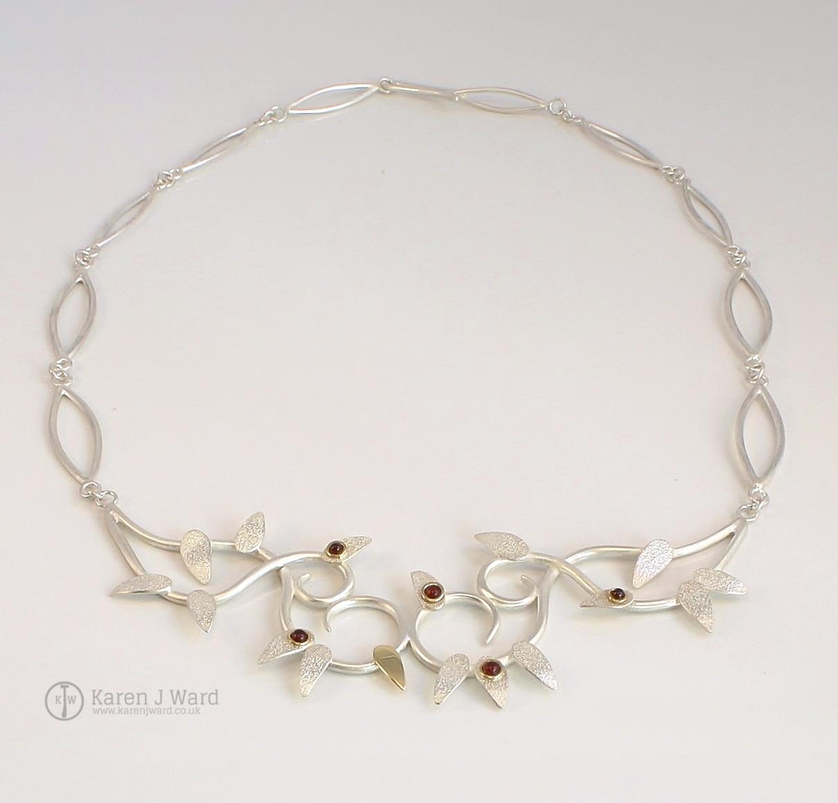 Garnet frost neckpiece