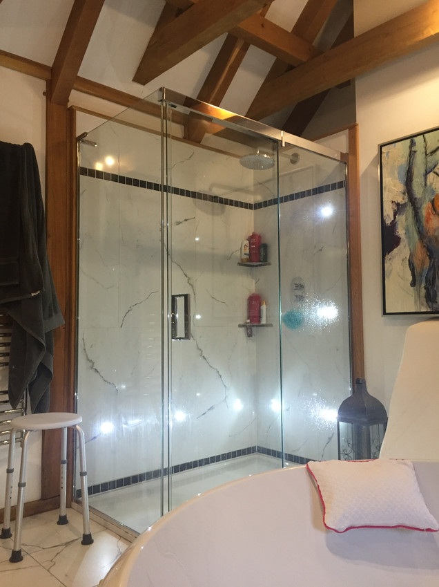 Matki shower enclosure