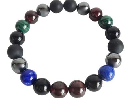Garnet , Crystals and tarot