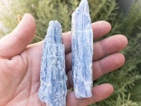 Kyanite crystal stone and it's abilities Blog