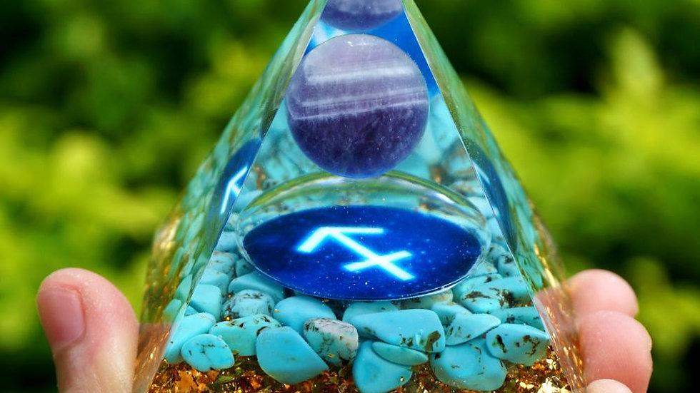 Amethyst Sphere Orgone Pyramid 60mm