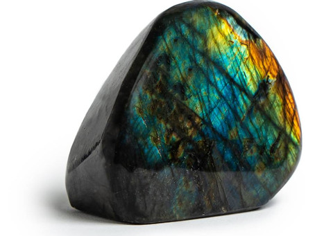 Labradorite Crystal  meaning and use