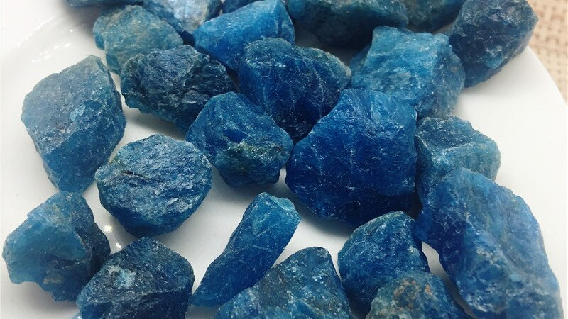 Natural  Raw Blue Apatite Rough Stones Crystal