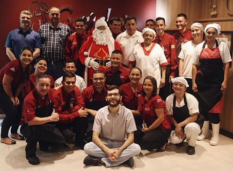 Churrascaria abre portas para iniciação de refugiados no mercado de trabalho em Manaus