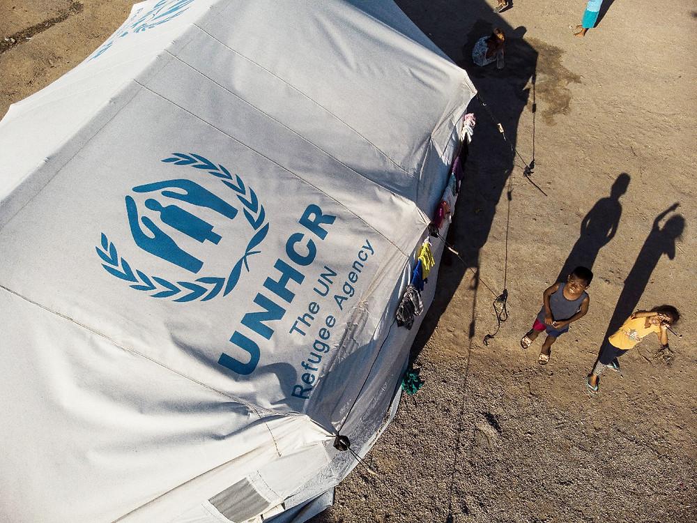 ACNUR disponibilizou tendas familiares usadas na operação humanitária de Roraima, que seriam descartadas, para compor um campo de refugiados fictício. © ACNUR/Victor Moriyama