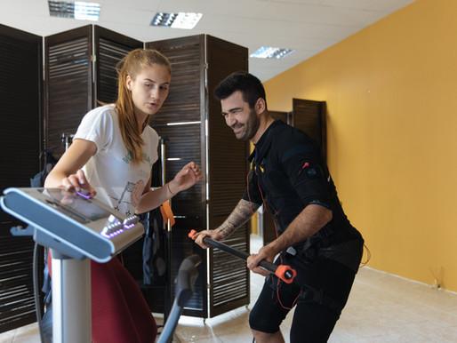 EMS тренировки или спортзал: что лучше?