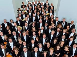 Philharmoniker geben Schulhofkonzert
