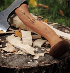 robin-wood-john-neeman-carving-axe5-300x