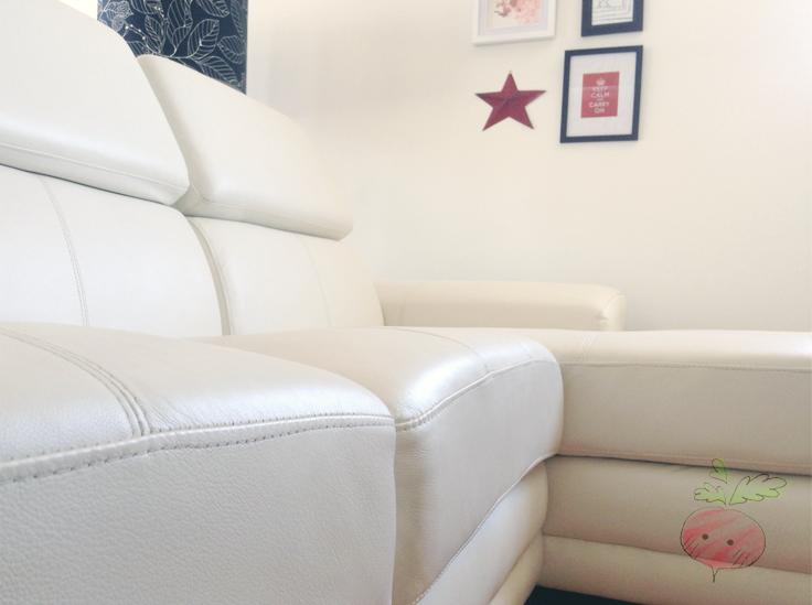 entretien nettoyant protecteur 2 en 1 pour cuir blanc. Black Bedroom Furniture Sets. Home Design Ideas