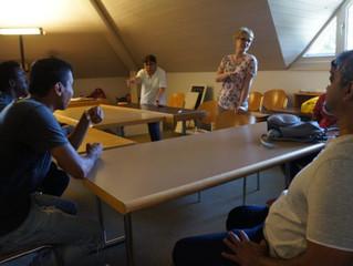 Nujin: Geflüchtete und Freiwillige