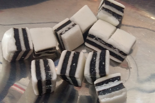 Taveners Old Fashioned Black and White Mints 225g