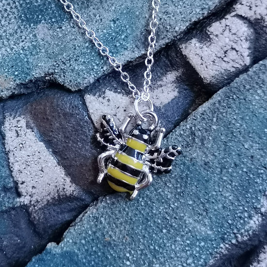 """Silver Plated Enamel Bee Charm Necklace Cable Chain 16"""""""