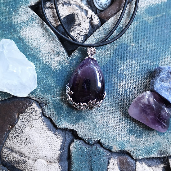 Silver Plated Amethyst Teardrop with Flowers on Stretchy Choker