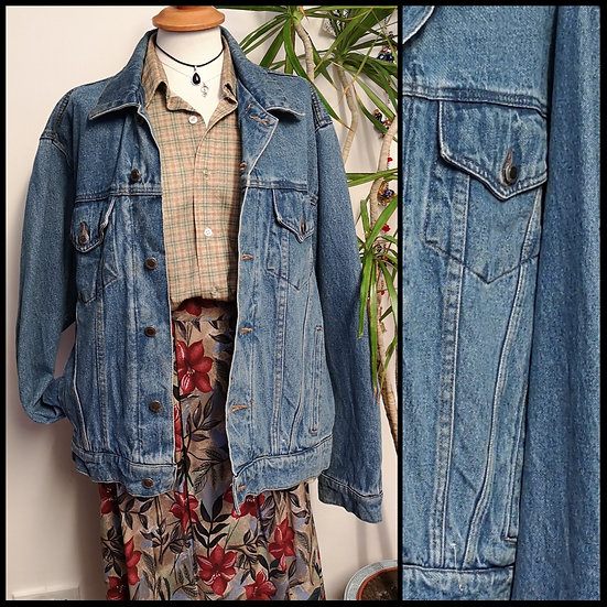 Vintage 90's Denim Trucker Jacket Unisex Size L/XL