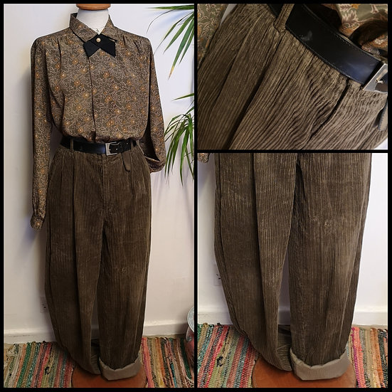 Vintage 80'sKhakiHigh-Waist Cord Trousers UNISEXSize M/L Tall