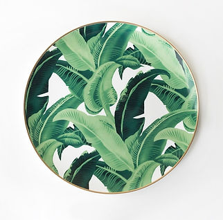 Leaf design charger plate