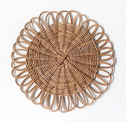 Rattan charger plate_edited.jpg