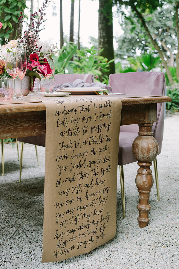 Tropical tablescape inspo
