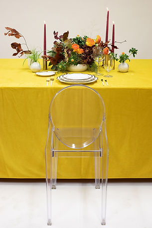 Bright table setting idea for thanksgiving
