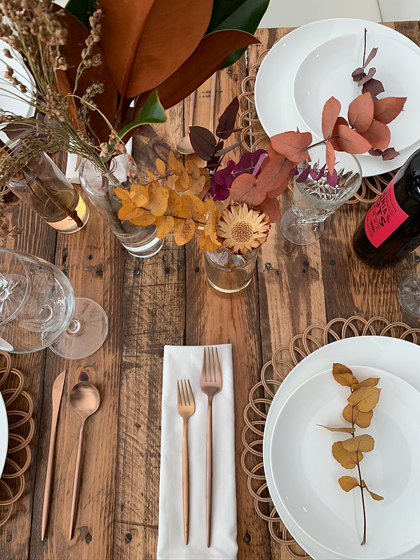 Classic fall thanksgving table setting