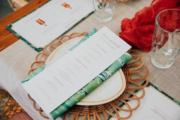 Tropical Table Setting Ideas
