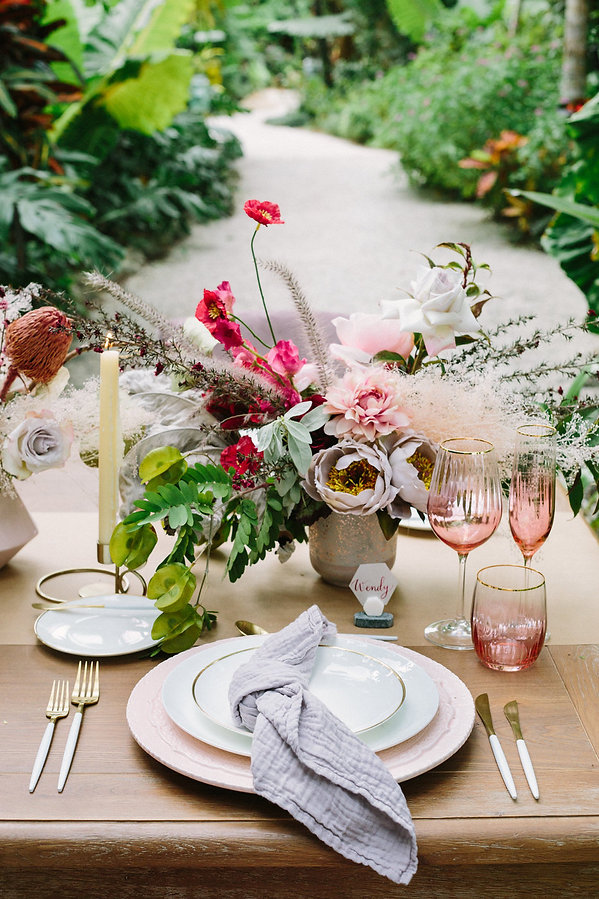 Tropical Tablescape Inpsiration