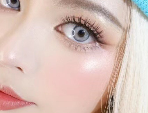 MODEL perfect eye Gray cosmetic contact lens