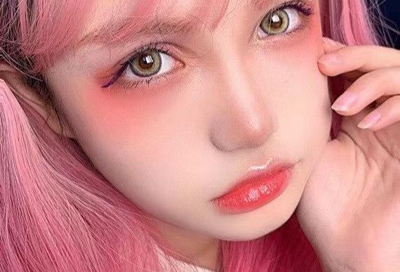 Barbie doll Yellow circle lenses