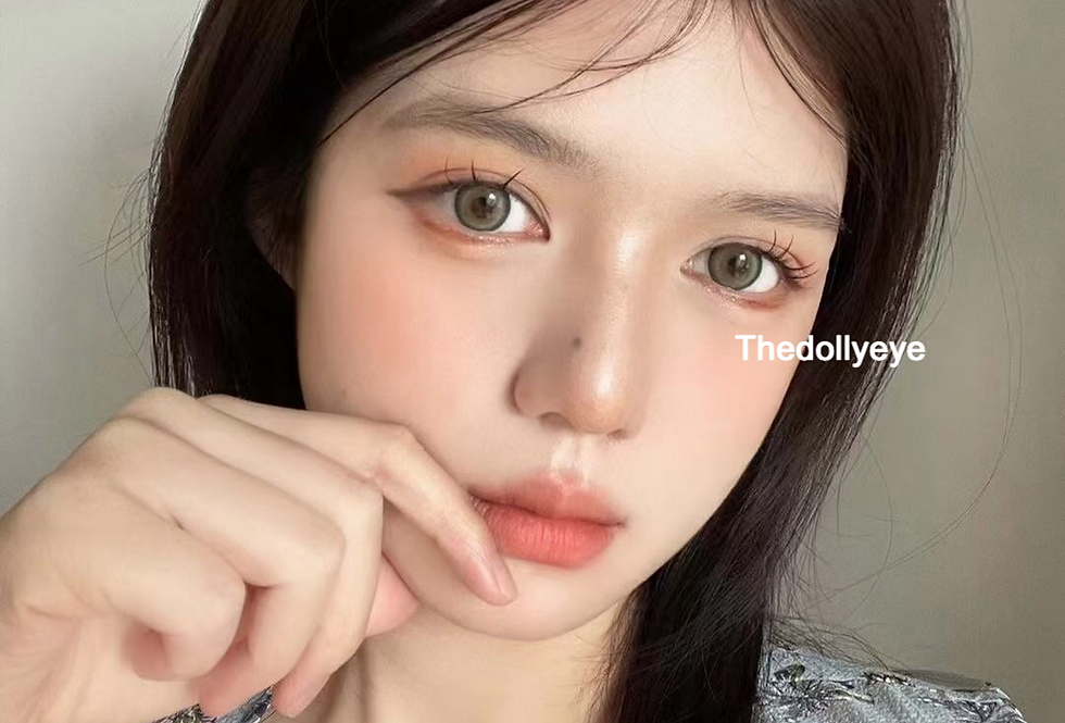 Miu Silvery grey cosmetic contact lens