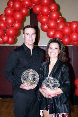 Jill and Troy win the Mirror Ball