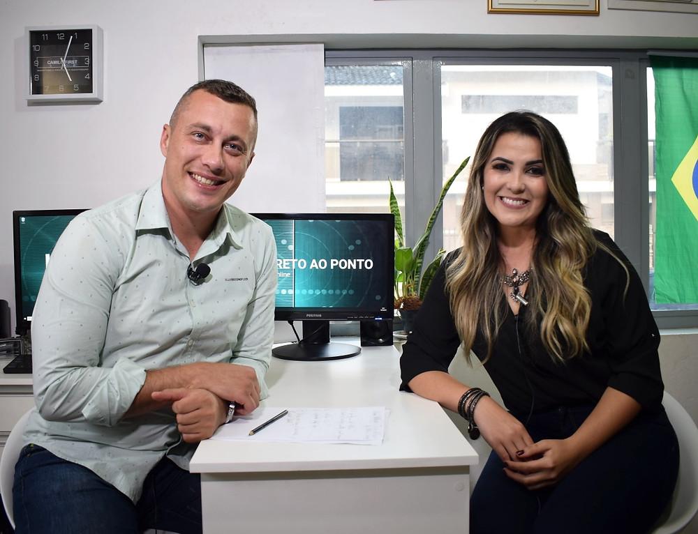 Sergio Henrique e Eliane Klabond durante gravação na TV Online