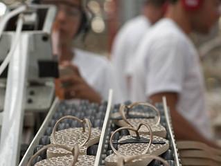 A SRC Energy Consolida sua Entrada no Mercado de Calçados