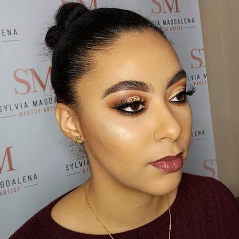 #cutcrease #cutcreasemakeup #glam #glammakeup #glamlook #glammedup #makeupideas #makeupinspo #brows #featheredbrows #highlight #contouring #.jpg