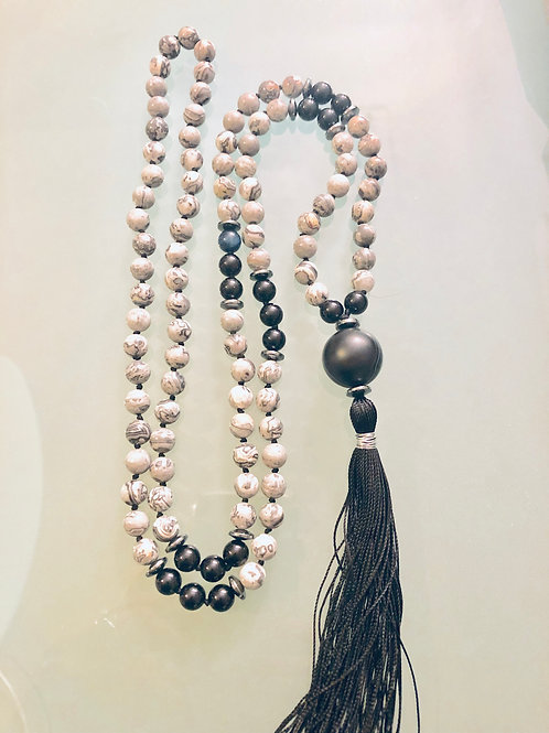 Gray Agate with Onyx and Hematite