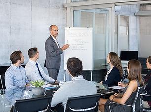 leader-briefing-business-people-PJECLTE.