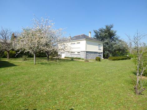 Maison à rajeunir St Mathurin sur Loire
