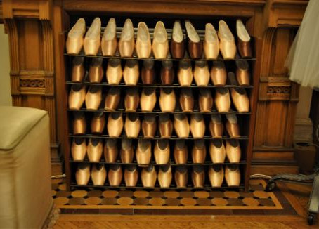 How to Choose and Prepare Pointe Shoes